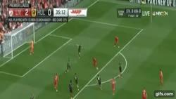 Enlace a GIF: Mientras tanto en la EPL, el Liverpool ya golea 3-0 con buen gol de Mane ante Hull City