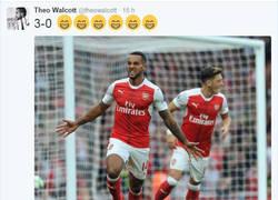 Enlace a Drogba se la saca ante Theo Walcott después de que se ría del Chelsea