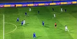 Enlace a GIF: Golazo de Dybala que se estrenó en Champions contra el Dinamo