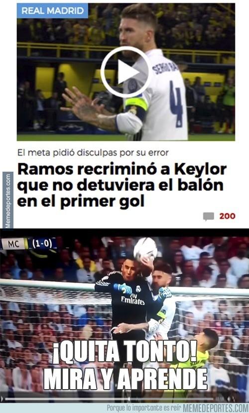 912028 - Sergio Ramos enseñando a Keylor... claro...