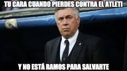 Enlace a Ancelotti buscando desesperadamente a Ramos
