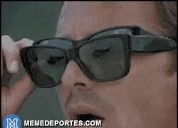 Enlace a GIF: Cuando Ancelotti hace un cambio y no es en el minuto 80 y pico
