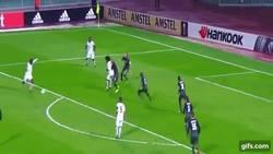 Enlace a Gif: Balotelli a lo suyo, gol frente al Krasnodar