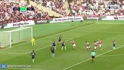 Enlace a GIF: El golazo de Payet en el empate del West Ham. ¡Brutal!