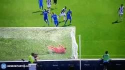 Enlace a GIF: El golazo de Higuaín frente al Empoli