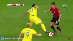 Enlace a GIF: Emre Mor vs Ucrania. ¡MENUDA BARBARIDAD!