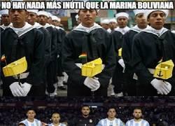 Enlace a No hay nada más inútil que la marina boliviana