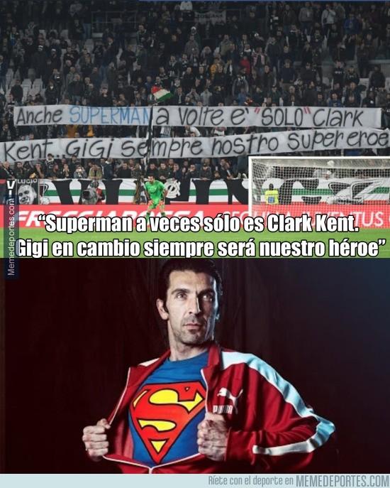 916810 - ¡ENORME pancarta de los aficionados de la Juventus para Buffon!