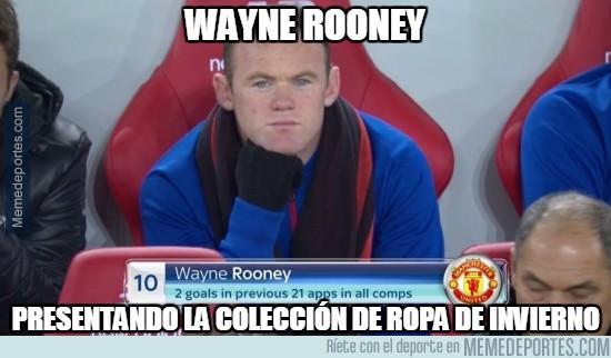 917028 - Wayne Rooney presentando colección de ropa de invierno en el banquillo