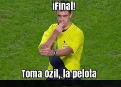 Enlace a Özil, descontento por su Hat-trick, él solo quería dar asistencias