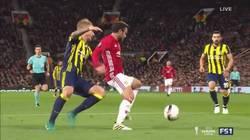 Enlace a GIF: Espectacular control de Mata provocando el penalti