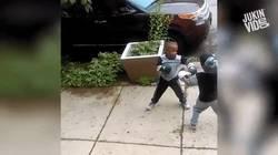 Enlace a Cuando un niño de 5 años boxea mejor que tú