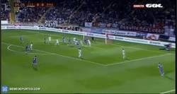 Enlace a GIF: El gol del Real Madrid es en propia de la Cultural Leonesa