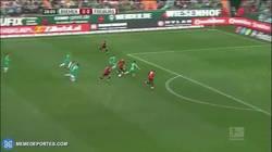 Enlace a GIF: El gol maradoniano que se ha marcado en la Bundesliga