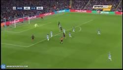 Enlace a GIF: Contra espectacular del Barça con la que Messi adelanta al Barça