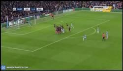 Enlace a GIF: Golaaaaaaazo de De Bruyne frente al Barça