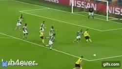 Enlace a GIF: No Aubameyang, no problem. Borussia Dortmund se adelanta en el partido ante el Sporting