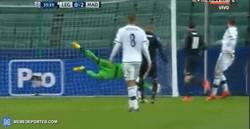 Enlace a GIF: Gol de Benzema tras la asistencia de Bale
