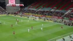 Enlace a GIF: Golaaaazo de Cristiano Ronaldo frente a Letonia