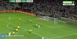 Enlace a GIF: Gooool de Pratto que amplía distancias. La asistencia de Messi es de 10