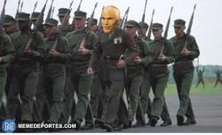 Enlace a GIF: James desde la perspectiva de Zidane