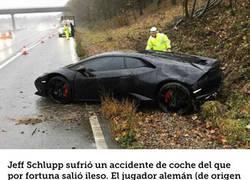 Enlace a La increíble respuesta de un jugador del Leicester tras estrellar su Lamborghini
