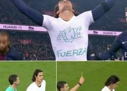 Enlace a Enorme el gesto de Cavani, así festejó hoy su gol