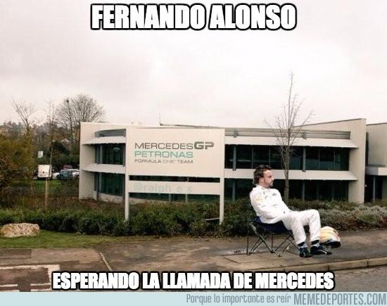 929103 - Alonso esperando una llamada de Mercedes