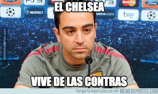 929358 - Xavi viendo el partido del Chelsea frente al City
