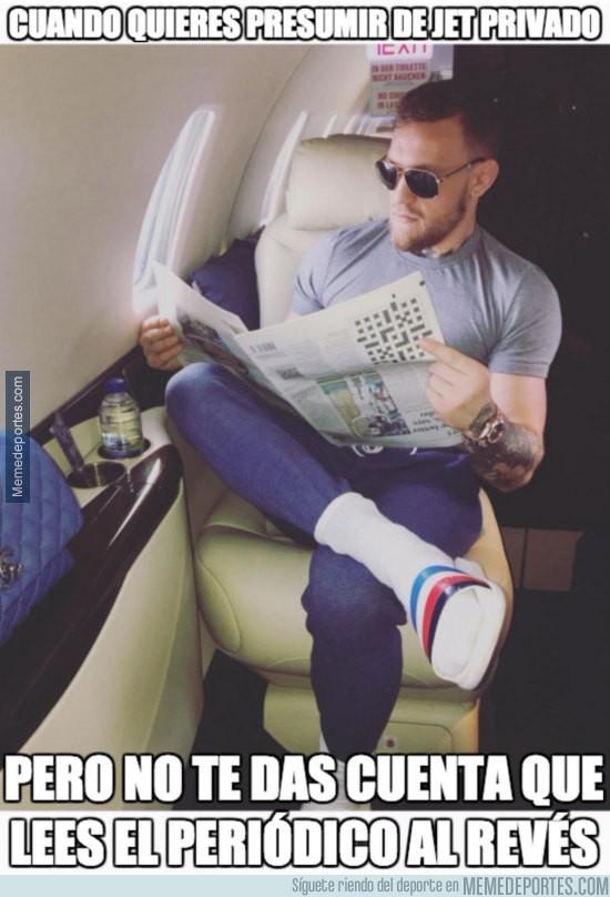 932484 - Conor McGregor sube una foto vacilando de avión privado pero hace el FAIL del AÑO