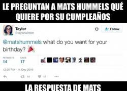 Enlace a Le preguntan a Hummels qué quiere por su cumpleaños y su respuesta es lo mejor