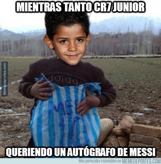 932973 - Mientras tanto CR7 Junior