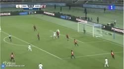 Enlace a GIF: Gooool de Benzema que adelanta al Real Madrid en la final del Mundial de Clubes