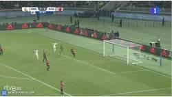 Enlace a GIF: Gooooool de Cristiano que marca su doblete en la final del Mundial