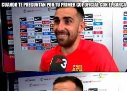 Enlace a Alcácer feliz por su primer gol oficial con el Barça, pero....