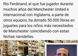 Enlace a Gran gesto de Rio Ferdinand #Respect