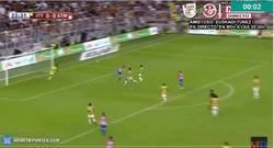 Enlace a GIF: Golazo de Juanfran a lo Ibra en un amistoso con el Atleti