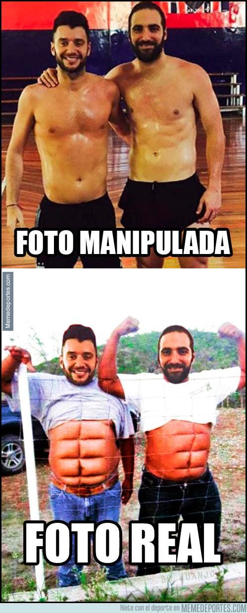 936322 - ¿Abdominales o Photoshop? Las redes se mofan de Higuaín