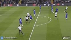 Enlace a GIF: Mientras tanto en White Hart Lane, Dele Alli marca el primero en el Derby de Londres