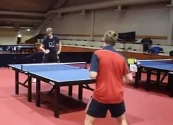 Enlace a Cuando creías haberlo visto todo en el Ping Pong aparece esto...