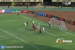 Enlace a GIF: Espectacular jugada en la Copa África, ni Messi sería capaz