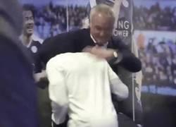 Enlace a La curiosa bienvenida de Ranieri a Kanté en el túnel de vestuarios