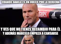 Enlace a Mala situación de Zidane con sus laterales