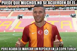 Enlace a Podolski sigue marcando goles ahí donde va