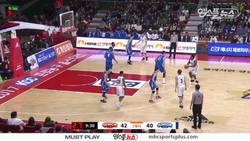 Enlace a VÍDEO: ¡Dos equipos de baloncesto hacen el Mannequin Challenge en medio de un partido!