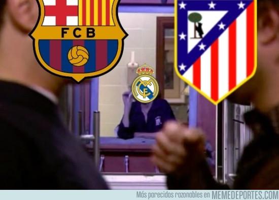 943314 - Madridistas viendo la semifinal entre Barça y Atlético