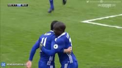 Enlace a GIF: Pedrito adelantaba al Chelsea, está en racha el canario