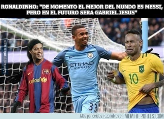 947682 - Ronaldinho predice quién será el futuro Messi