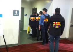 Enlace a En exclusiva la fila para usar los baños del Bernabéu después del partido con el PSG