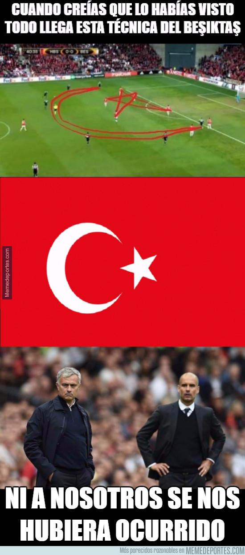 949276 - La alucinante táctica del Besiktas que ha asombrado al mundo